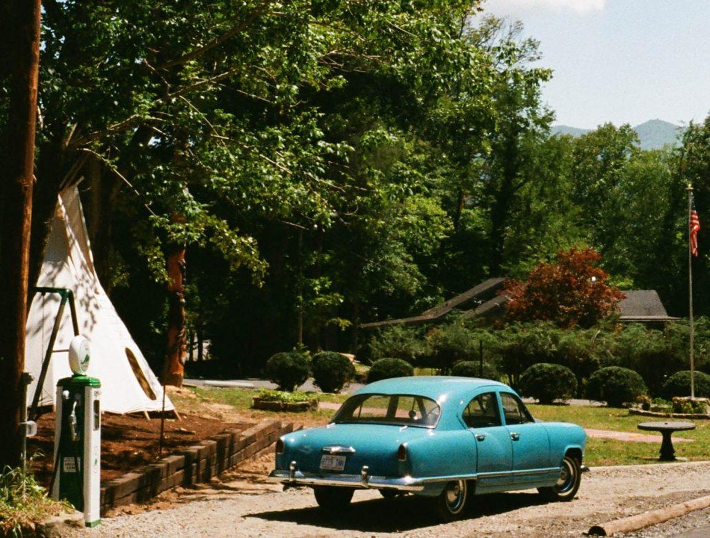 Car Pump Teepee Flag Route 19 Inn